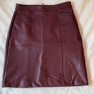 Reitmans NWT faux leather skirt